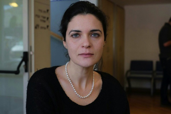 Joint Arab List spokesperson Emilie Moati at hospital (photo: Activestills)