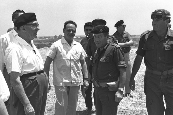 Prime Minister Levy Eshkol (left) and Min. Yigal Allon (second from left) in the Negev, May 25, 1967. (Photo: GPO)
