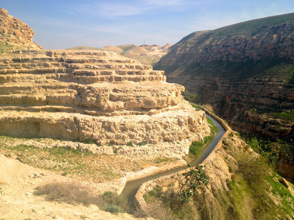The Roman aqueduct in Wadi Qelt, Jordan Valley, West Bank (Photo: Angela Gruber)