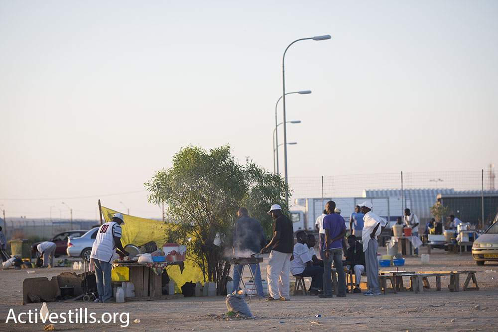 Detainees at Holot complain that the food provided to them inside the facility is often inedible. Authorities do not let them bring outside food inside. Entrepreneurial detainees have opened makeshift restaurants outside of the gates.