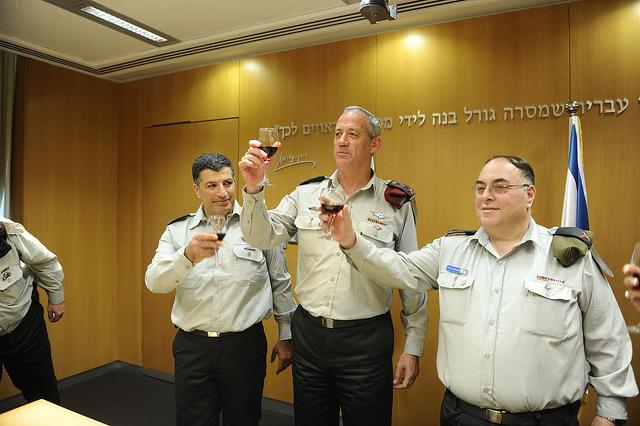 Avi Benayahu (right) stands next to former IDF Chief of Staff Benny Gantz (center) and Major-General Yoav Mordechai (right). (photo: IDF Spokesperson's Unit)