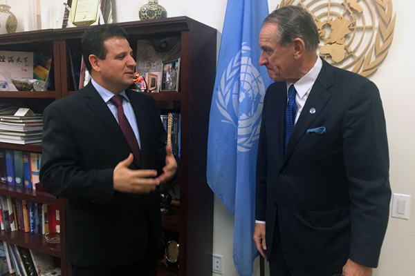 Ayman Odeh at the United Nations Headquarters with Deputy Secretary-General Jan Eliasson. (Photo: Joint List spokesperson)