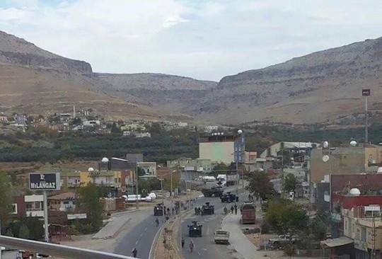 The city of Derik in Turkish Kurdistan under military curfew. (photo courtesy of HDP)