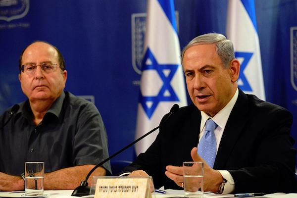 Prime Minister Benjamin Netanyahu and Defense Minister Moshe Ya'alon. (GPO file photo by Haim Zach)