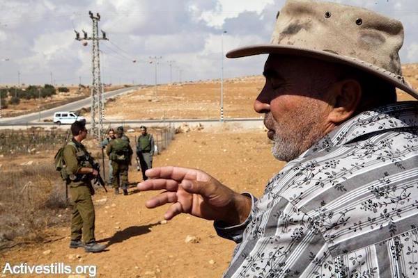 Ezra Nawi during a Ta'ayush solidarity visit to the southern West Bank village of Susiya, October 29, 2009. (Yotam Ronen/Activestills.org)