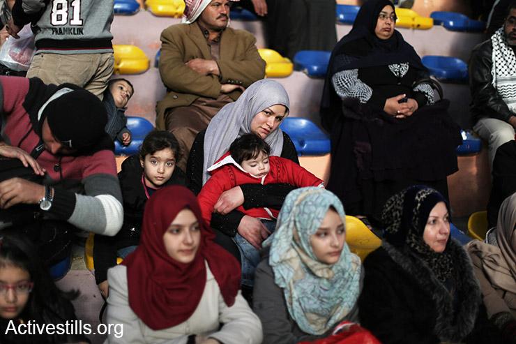 (Ezz Al Zanoon/Activestills.org)