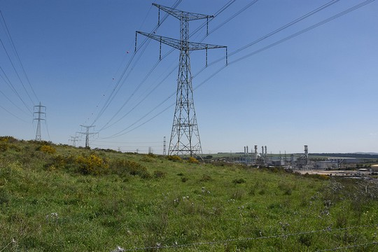 High tension electricity lines in southern Israel belonging to the Israel Electric Corporation (Illustrative photo by David King CC BY-NC-ND 2.0)