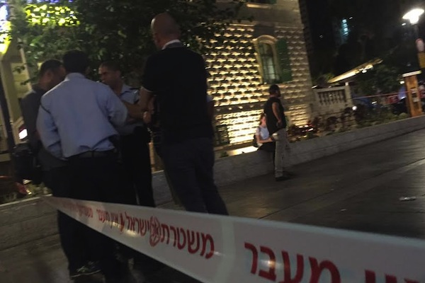 Israeli police seen at Sarona Market in central Tel Aviv following the shooting attack that left four Israelis dead, June 8, 2016. (photo: Israel Police Spokesperson)