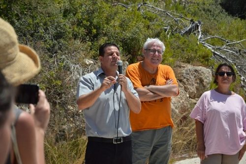 Joint List Chairman Ayman Odeh speaks at a rally in support of conscientious objectors Tair Kaminer and Omri Brenes, both of whom are currently serving time in military jail for refusing to join the IDF. (photo: Mesarvot)