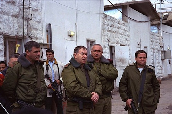 From left to right, Maj. Gen. (res.) Uzi Dayan; Chief of Staff Amnon Lipkin-Shahak, and Maj. Gen. (res.) Oren Shachor, supervise the evacuation of Hebron and its transfer to the PA after the Knesset's approval of the Hebron agreement and redeployment of the IDF. (Avi Ohayon/GPO)