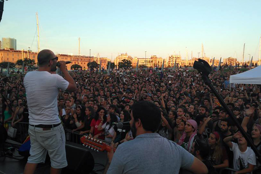Thousands attend a send-off festival for the flotilla to Gaza in Barcelona. (Yudit Ilany)