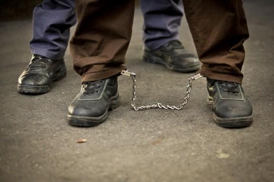 Illustrative photo of Palestinian prisoner in leg cuffs. (Flash90)