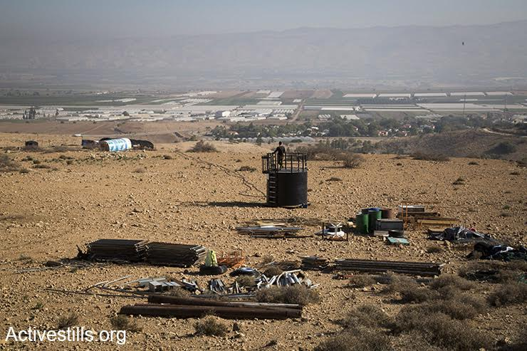 A new settlement outpost built near the West Bank settlement of Mehola, Jordan Valley, December 8, 2016. (Keren Manor/Activestills.org)