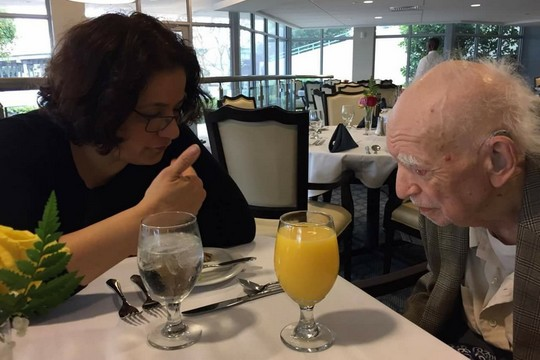 +972 blogger Samah Salaime sits with veteran Jewish journalist Zel Lurie, who celebrated his 103rd birthday.