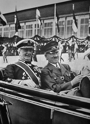 Miklós Horthy and Adolf Hitler in 1938.
