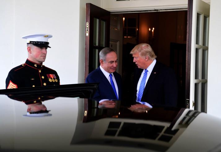 Prime Minister Benjamin Netanyahu meets with President Donald Trump in Washington, D.C., February 15, 2017. (Avi Ohayon/GPO)