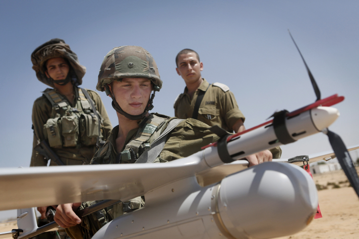 Israeli soldiers belonging to the IDF's Sky Rider unit seen during a training drill at the Tze'elim army base, August 5, 2013. The Sky Rider Unit operates unmanned aerial vehicles manufactured by Elbit Systems. (Miriam Alster/Flash90)