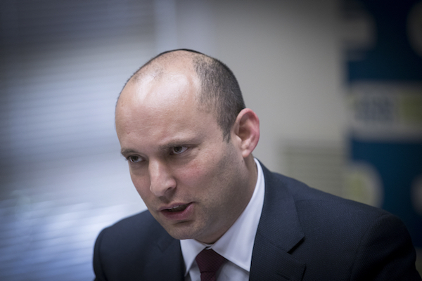 Jewish Home head Naftali Bennett leads a party faction meeting at the Knesset, December 12, 2016. (Yonatan Sindel/Flash90)