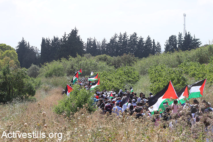 Palestinians participate in the March of Return, Galilee, May 2, 2017. (Maria Zreik/Activestills)
