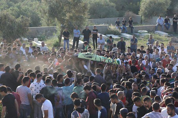 The funeral of Saba Abu Ubeid, 23, who was shot and killed by an Israeli sniper, May 12, 2017. (Haidi Motola/Activestills.org)