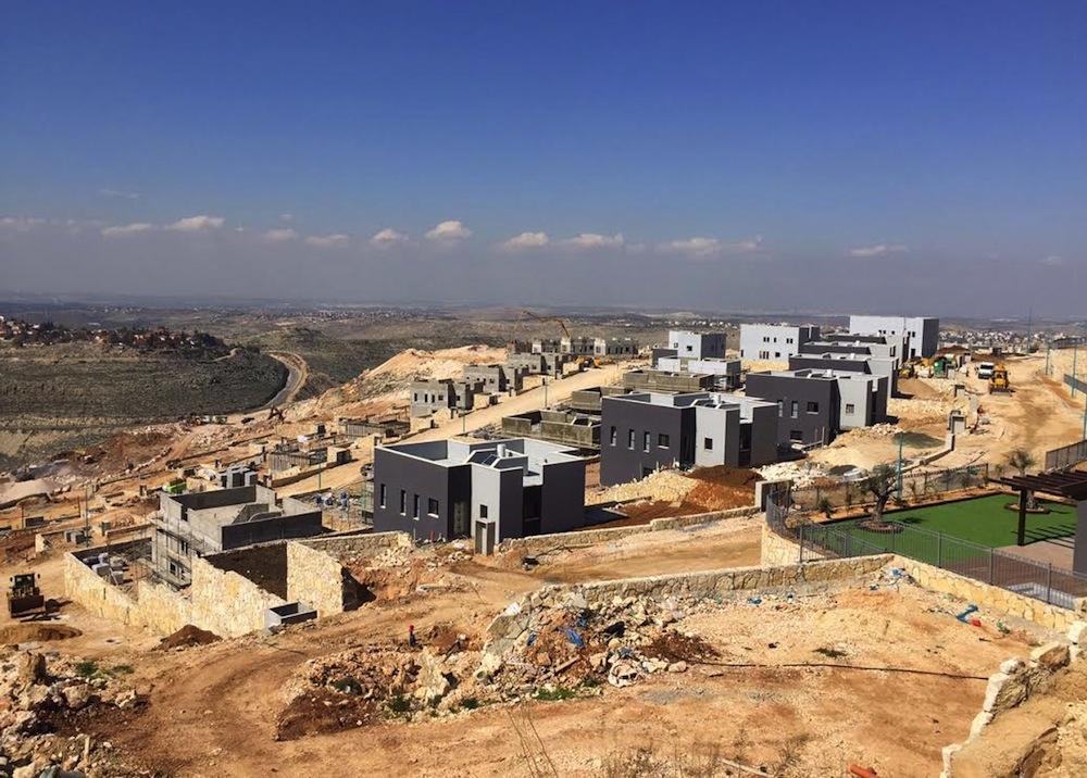 Construction in the settlement of Nili, West Bank. (Edo Konrad)