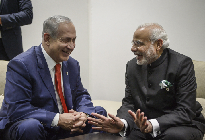 Prime Minister Benjamin Netanyahu meets with Indian Prime Minister Narendra Modi during the COP21, the United Nations Climate Change Conference, in Le Bourget, outside Paris, November 30, 2015. (Amos Ben Gershom/GPO)