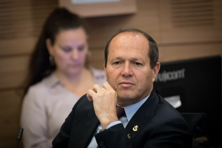 Jeruslaem Mayor Nir Barkat attends a Finance Committee meeting in the Knesset, May 29, 2017. (Yonatan Sindel/Flash90)