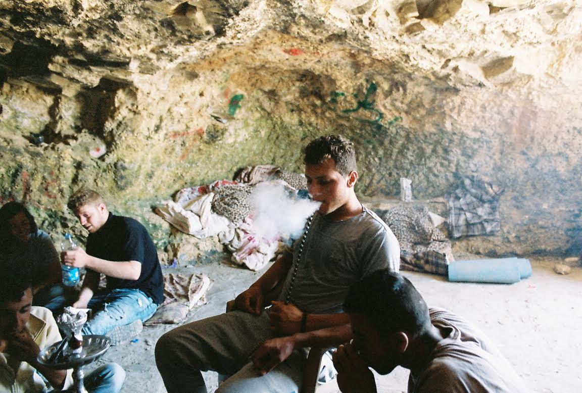 Smoking nargileh in Sarura. (Sophie Schor)