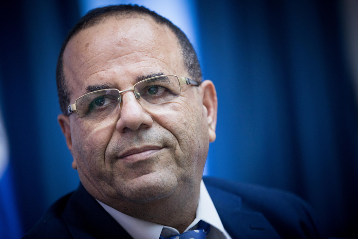 Israeli Communications Minister Ayoub Kara holds a press conference declaring his intention to shut down Al Jazeera's operations in Israel, Jerusalem, August 6, 2017. (Yonatan Sindel/Flash90)