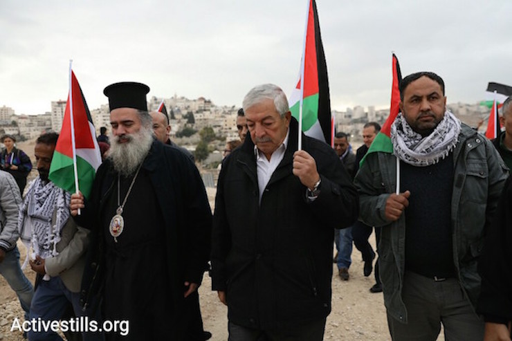 Representatives of the Palestinian Authority and Bishop Atallah Hanna from the Greek Orthodox Church took part in the protest by residents of Jabal al Baba against their expulsion. November 23, 2017 (Oren Ziv/Activestills)