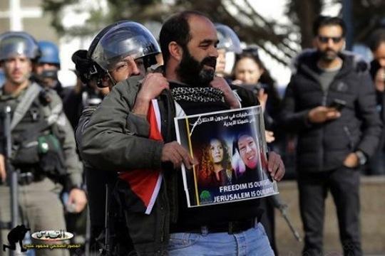Israeli forces arrest Mundar Amira during a demonstration in support of the Tamimi women, Bethlehem, West Bank, December 27, 2017.