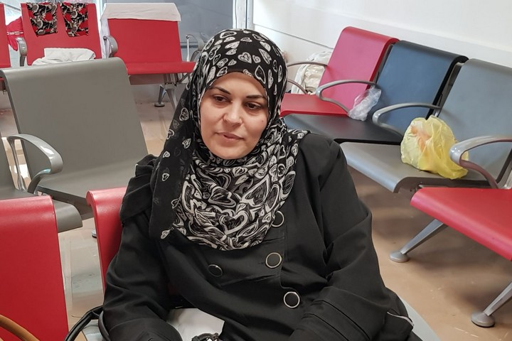 Ahmed Abu Hussein's mother seen at Tel Hashomer Hospital in central Israel, April 24, 2018. (Kholod Massalha)