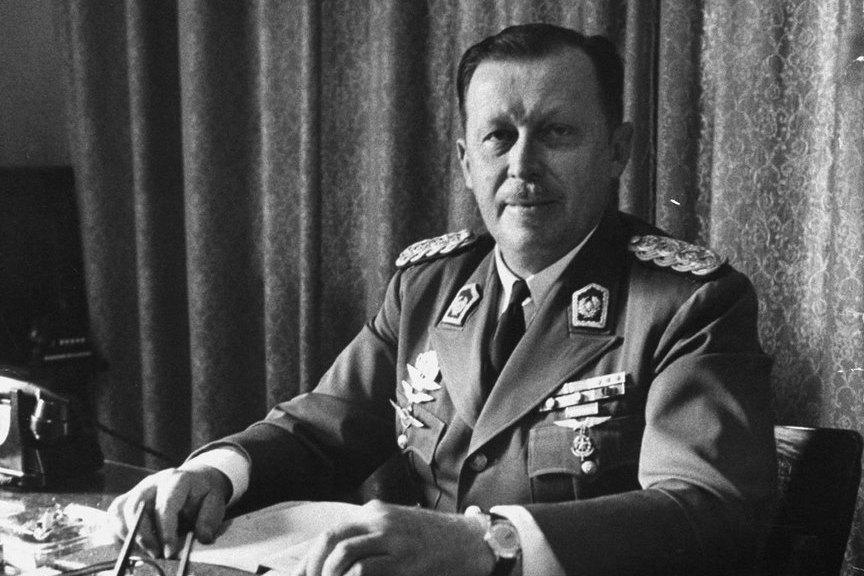 Alfredo Stroessner. (Store norske leksikon/CC BY-SA 4.0)