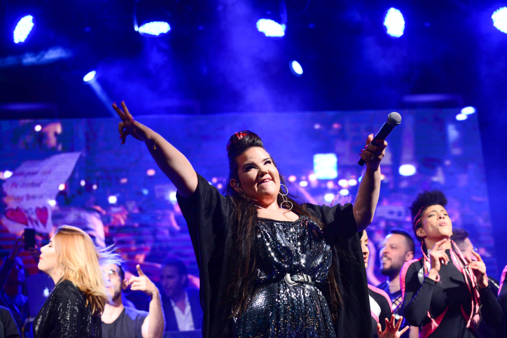 Netta Barzilai, winner of the Eurovision 2018 song contest, preforms at Rabin Square in Tel Aviv, May 14, 2018. (Tomer Neuberg/Flash90)