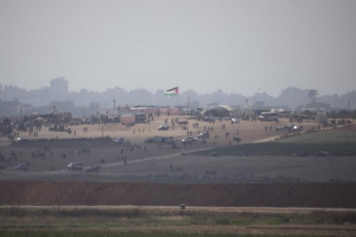Gaza from a distance, May 15, 2018. (Oren Ziv/Activestills.org)