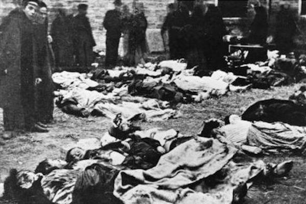 Jewish victims of the Kishinev pogrom, 1903.