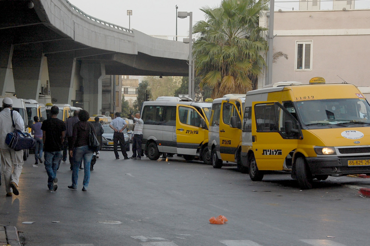 Sherut taxis outside Tel Aviv's central bus station, March 12, 2010. (Rachael Cerrotti/Flash90)