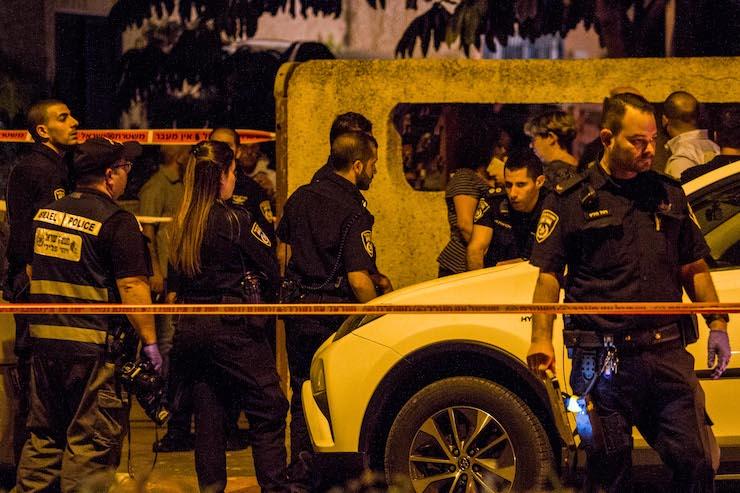 Illustrative photo of Israeli police at a murder scene, October 10, 2018. (Flash90)