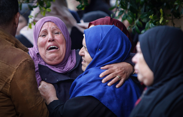 Palestinians mourn at the funeral of 22-year old Palestinian Ilyas Yasin, who was killed by Israeli soldiers after an alleged knife attack in October, Salfit, West Bank on December 29, 2018. (Nasser Ishtayeh/Flash90)