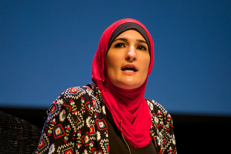 Linda Sarsour speaks at a panel on Islamophobia at the Festival of Faiths, Louisville, United States, May 19, 2016. (Festival of Faiths/CC BY 2.0)