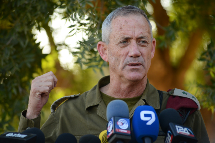 IDF Chief of Staff, Benny Gantz, gives a statement to the media near the Israeli Gaza fence on July 20, 2014. (Mendy Hechtman/Flash90)