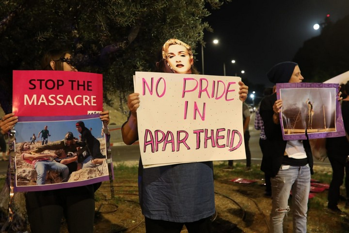 Israeli and Palestinian activists protest outside the Tel Aviv Expo Center during the Eurovision Song Contest finale, May 18, 2019. (Oren Ziv/Activestills.org)