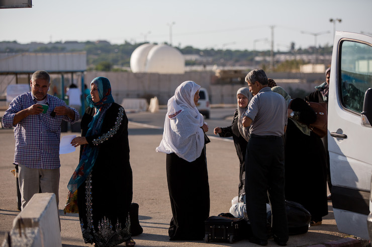 Palestinians arrive to cross into Gaza at the Erez Crossing between Israel and Gaza on September 3, 2015. (Yonatan Sindel/Flash90)
