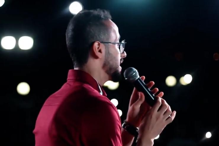 Hamada Naserallah, lead singer of Sol Band, performing in Gaza. (Screenshot)