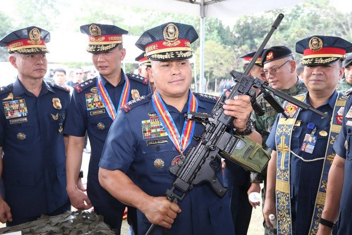 Former Philippine National Police Chief and current Senate of the Philippines Ronald dela Rosa seen holding an Israeli-made machine gun. (Courtesy of Philippine National Police)