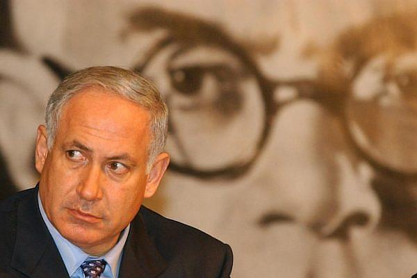 Prime Minister Benjamin Netanyahu in front of a picture of Vladimir Jabotinsky, Jerusalem, May 12, 2002. (Flash90)