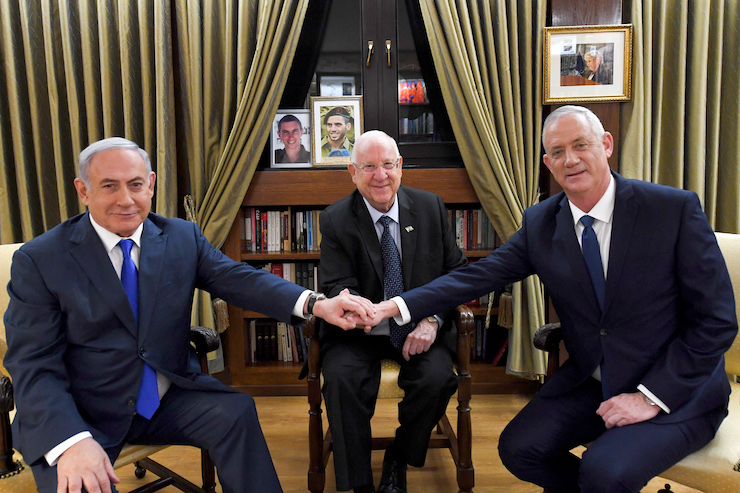 President Reuven Rivlin meets with Prime Minister Benjamin Netanyahu and Blue and White party leader Benny Gantz at his official residence in Jerusalem on September 23, 2019. (Haim Zach/GPO)
