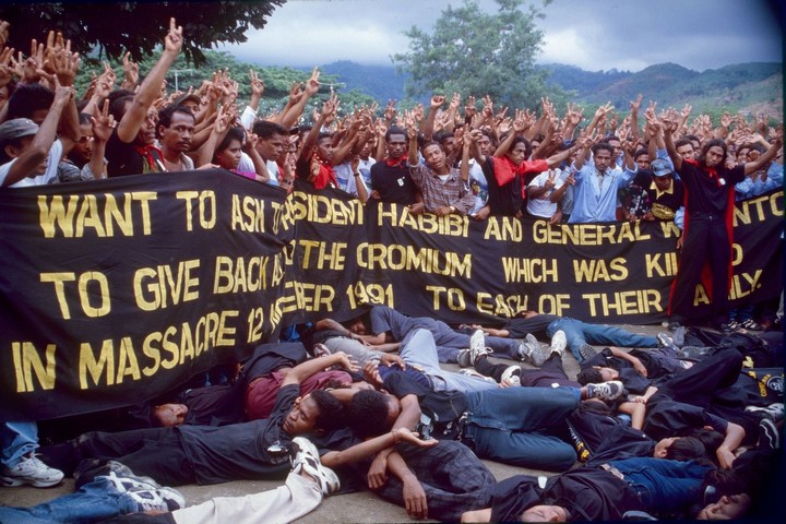 East Timor activists commemorate the Santa Cruz massacre, in which at least 250 East Timorese pro-independence demonstrators were murdered by Indonesian forces on November 12 1991, during the Indonesian occupation of East Timor. (Mark Rhomberg/ETAN)