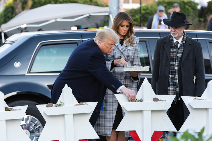 President Donald Trump and First Lady Melania Trump visit a memorial outside the Tree of Life Synagogue in Pittsburgh Tuesday, October 30, 2018, following the mass shooting that left 11 worshippers dead. (Andrea Hanks/White House)