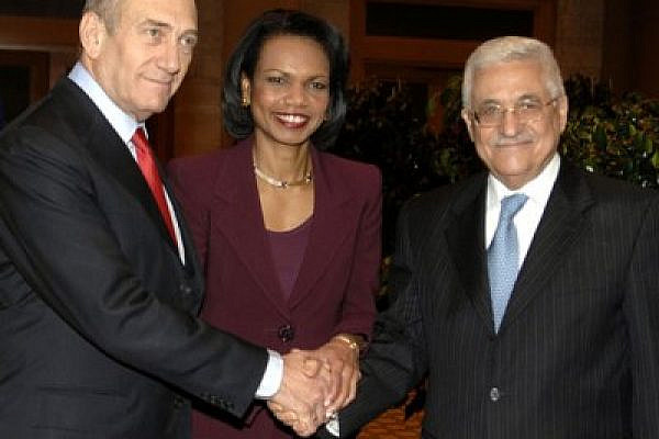 United States Secretary of State Condoleezza Rice, Israeli Prime Minister Ehud Olmert and Palestinian President Mahmoud Abbas (photo: Matty Stern/state department)